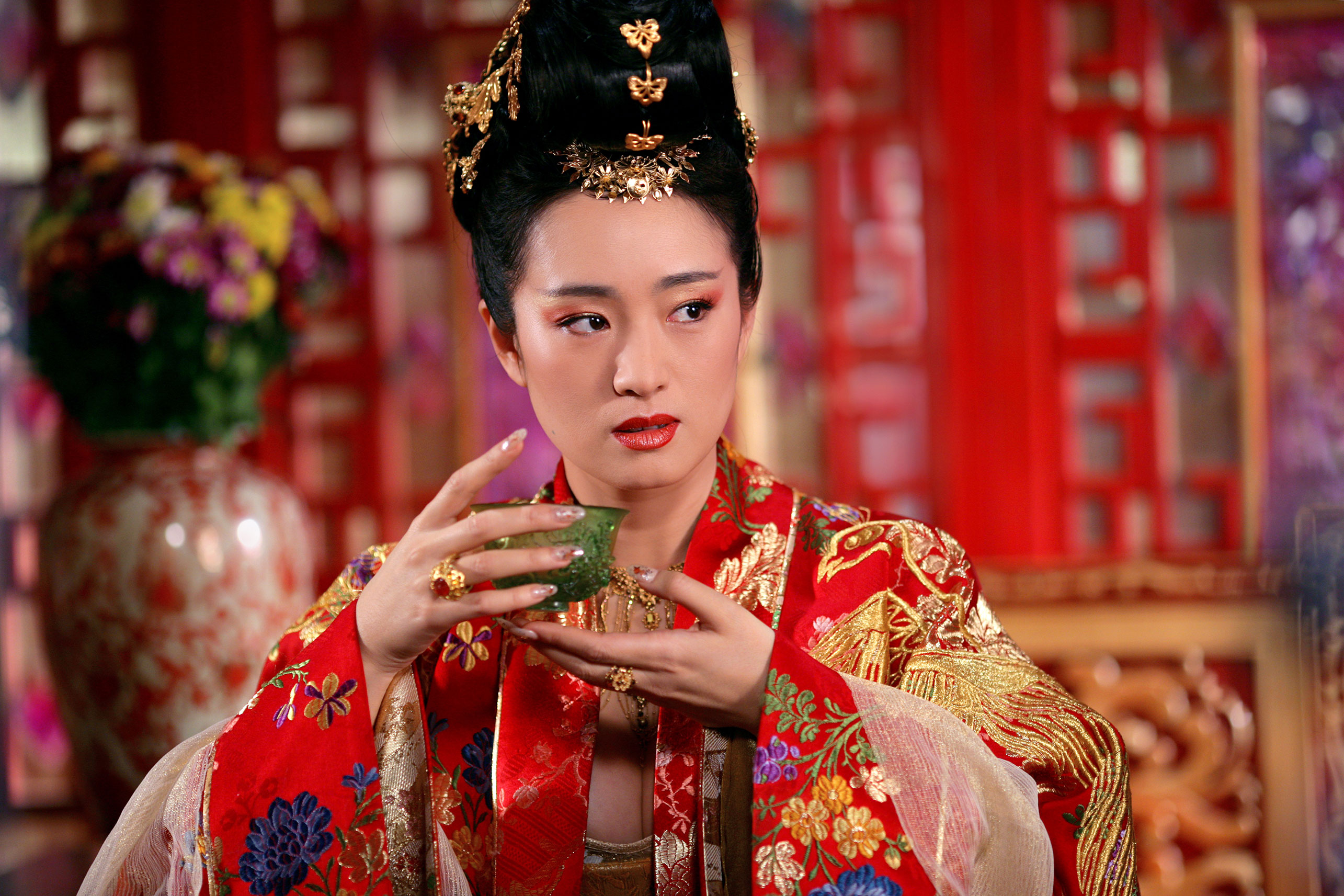 Gong Li as the Empress in Curse of the Golden Flower